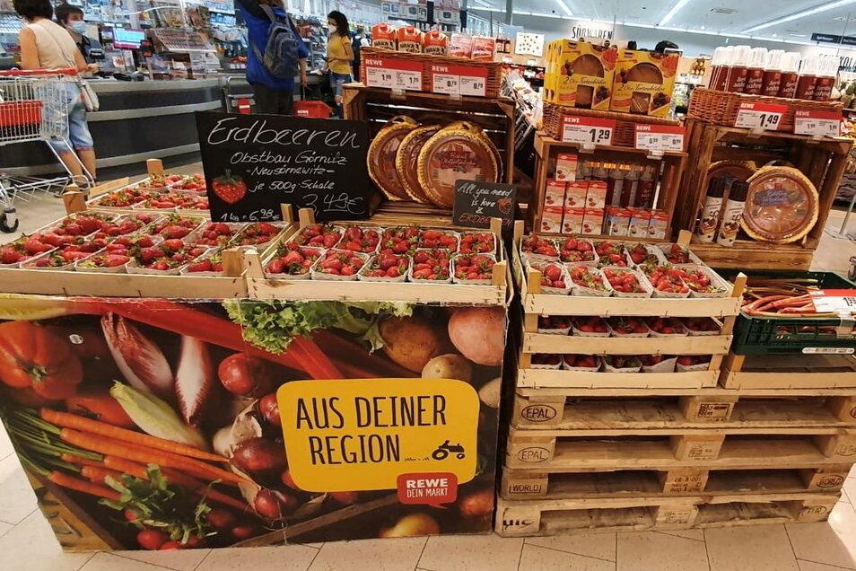 Regionalität bei Obst, Gemüse und vielen anderen Produkten ist Rewe-Chef Björn Keyser in seinen drei Märkten in Radebeul und Meißen ein wichtiges Anliegen.