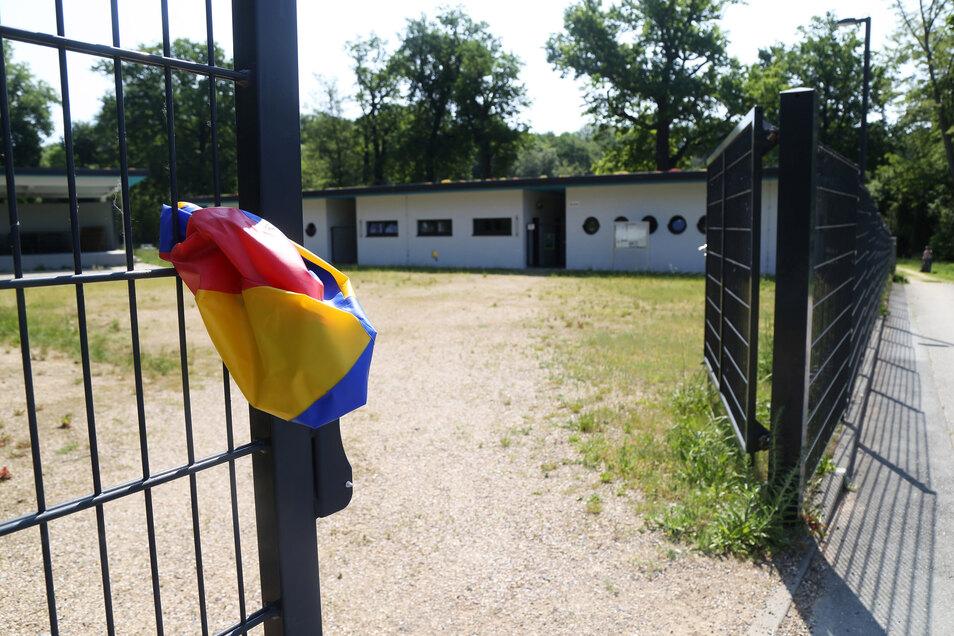 Planschen im Glaubitzer Waldbad ist derzeit nicht möglich. Die Einrichtung bleibt vorerst geschlossen.