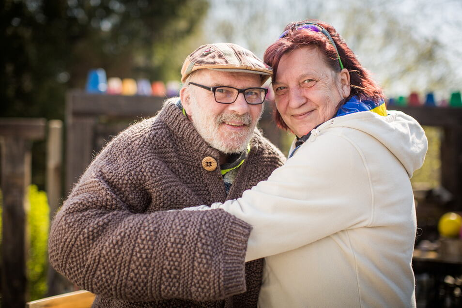 Joe Balzer und seine Lebensgefährtin Eveline Henschel: Er verletzte sich bei einem Unfall in den Alpen schwer. Nach Koma und wochenlangem Klinikaufenthalt ist er jetzt wieder zurück in Wachau.