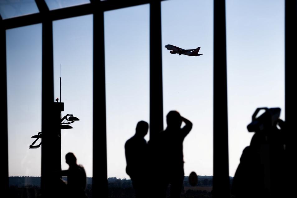 Berlin und Brandenburg als Mitgesellschafter drängen nach den chaotischen Zuständen am Airport BER am vergangenen Wochenende auf eine schnelle Aufarbeitung der Probleme.