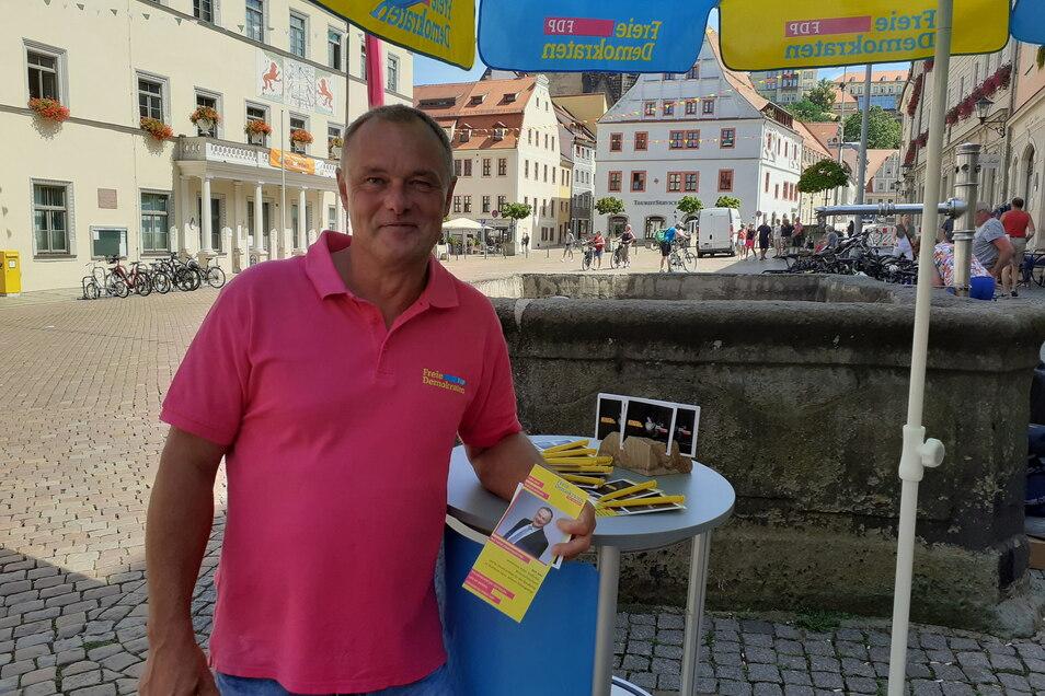 Dirk Jahn (FDP) startete am Freitag in Pirna seinen Bundestagswahlkampf.