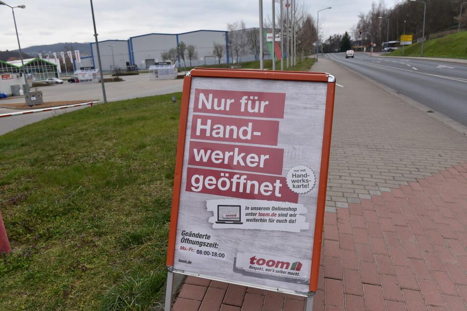 Auch bei Toom in Freital hat das Gartencenter regulär geöffnet. Nur das Sortiment des Baumarktes an sich ist für Normalverbraucher nicht zu haben.