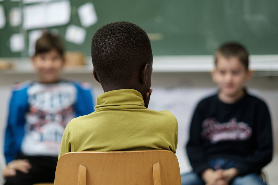 Kinder in sächsischen Erstaufnahmeeinrichtungen erhielten bislang keinen Unterricht. Das ändert sich nun.
