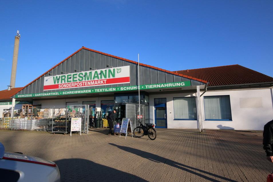 Der Sonderpostenmarkt Wreesmann zeigt Interesse am Standort Roßwein. Er will im Gewerbegebiet neu bauen. In Hartha gibt es einen solchen Markt schon länger.