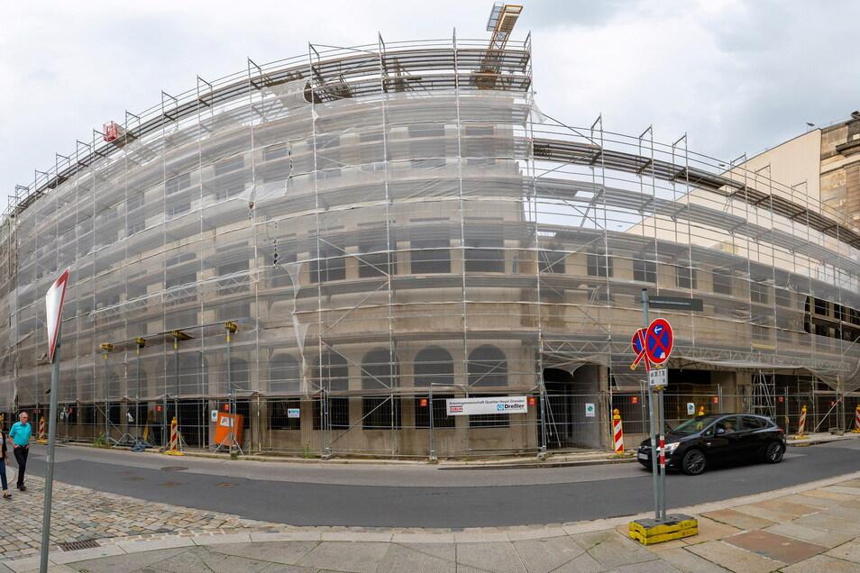 Ein außergewöhnlicher Blick auf die Baustelle des Quartiers Hoym von der Landhausstraße aus gesehen.