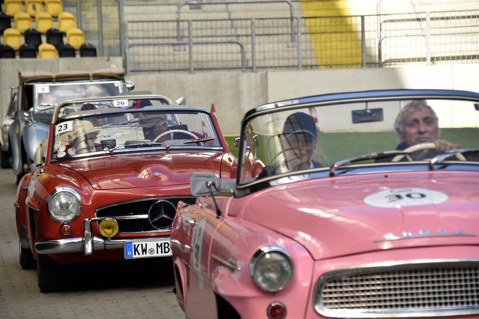 Im vergangenen Jahr endete die Rallye im Rudolf-Harbig-Stadion. Diesmal sind noch mehr Teilnehmer am Start.