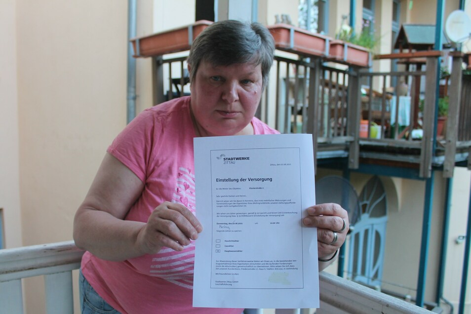 Monika Penkert hat genug von den Sperrungen - sie hat ihre Wohnung in der Klosterstraße 2 gekündigt.