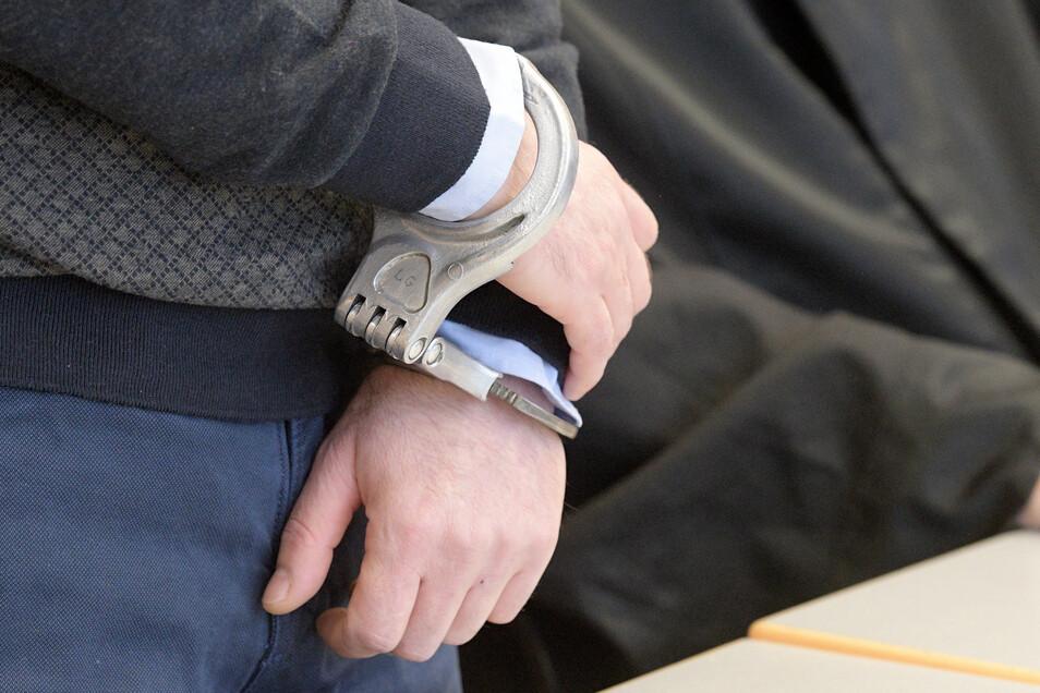 Die Polizei hat einen mutmaßlichen Räuber festgenommen.