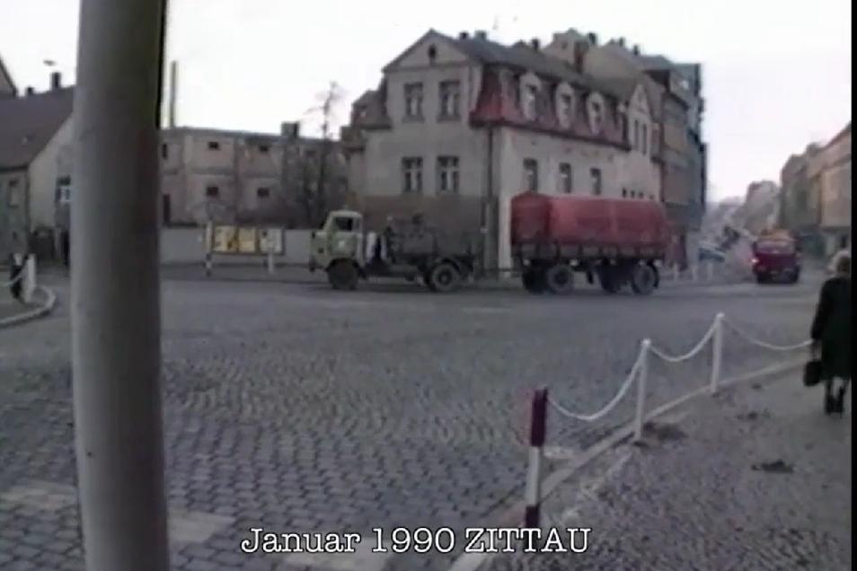 In Zittau sind 1990 noch alle Fassaden grau