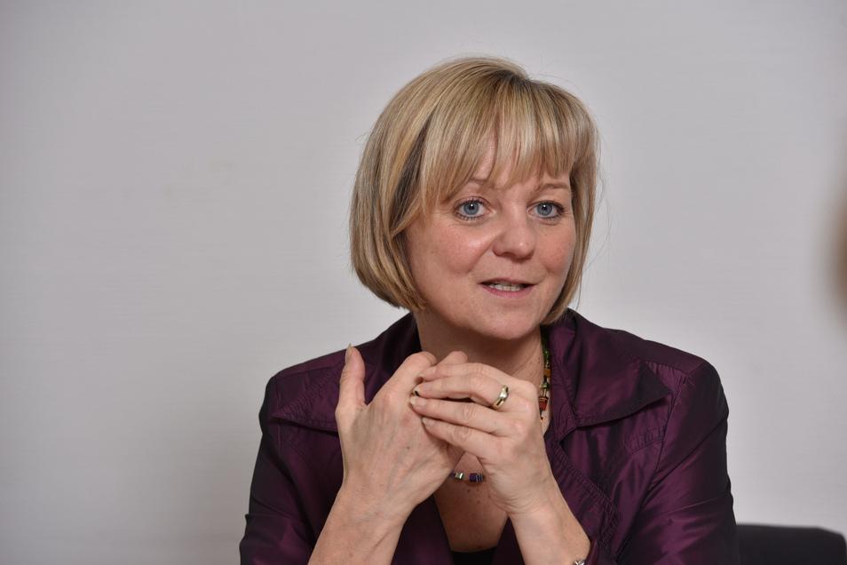 Veronika Hiebl hat Tourismusbetriebswirtschaft an der Fachhochschule Heilbronn studiert. Seit Mai 2019 ist sie Geschäftsführerin der Tourismus Marketing Gesellschaft Sachsen mbH.