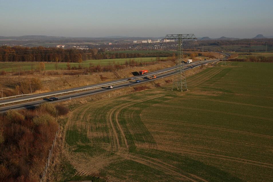 Die Vorbereitungen für den Industriepark Oberelbe (IPO) entlang dem Pirnaer Autobahnzubringer sind in einer entscheidenden Phase.