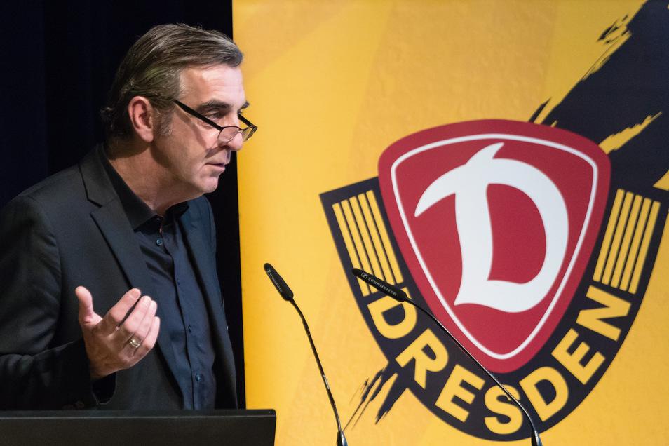 Bleibt er? Oder geht er? Für Reiner Calmund ist klar, dass Dynamo Dresden ohne Ralf Minge schwer vorstellbar ist. Er meint, dassMinge auf alle Fälle einen jungen, guten Manager einarbeiten sollte.