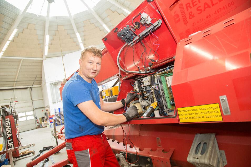 Aleksander Fink wohnt mit seiner Familie in Zgorzelec. Seit Montag darf er bei Lift-Manager in Jänkendorf arbeiten, darüber ist der Pole froh.