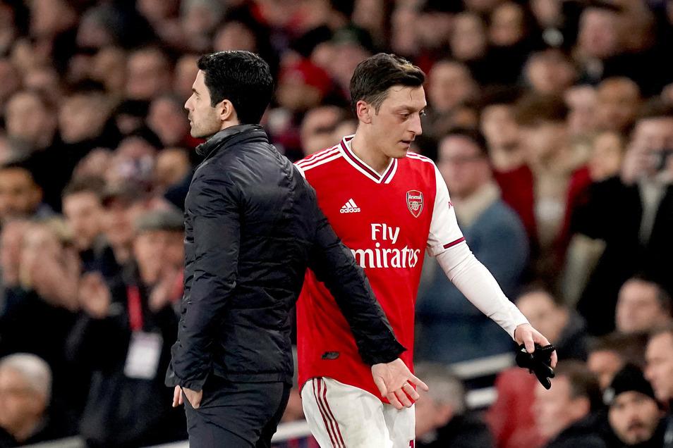 Mesut Özil wird derzeit nicht mehr eingewechselt.