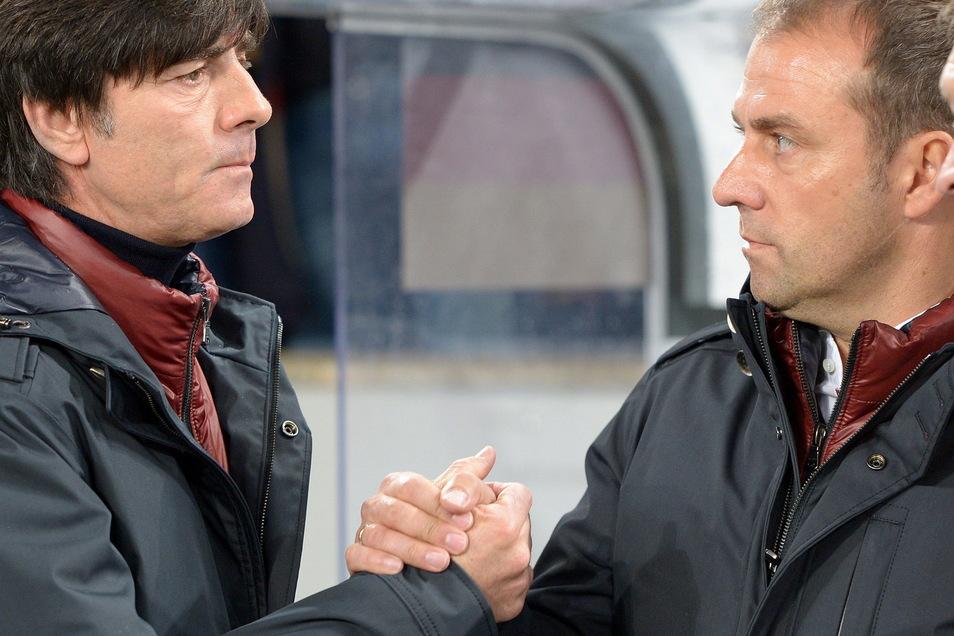Bundestrainer Joachim Löw und sein damaliget Co-Trainer Hansi Flick, der jetzt auf Löw folgt.