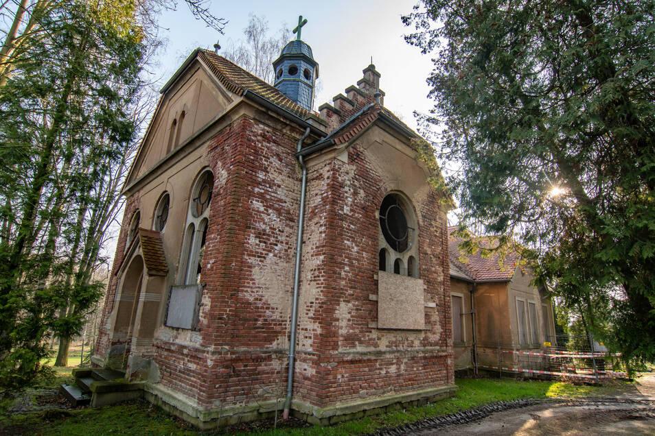 Die Kapelle auf dem Friedhof in Hochweitzschen ist bereits seit langer Zeit marode und nicht mehr für Trauerfeiern verfügbar. Das soll sich bald ändern.