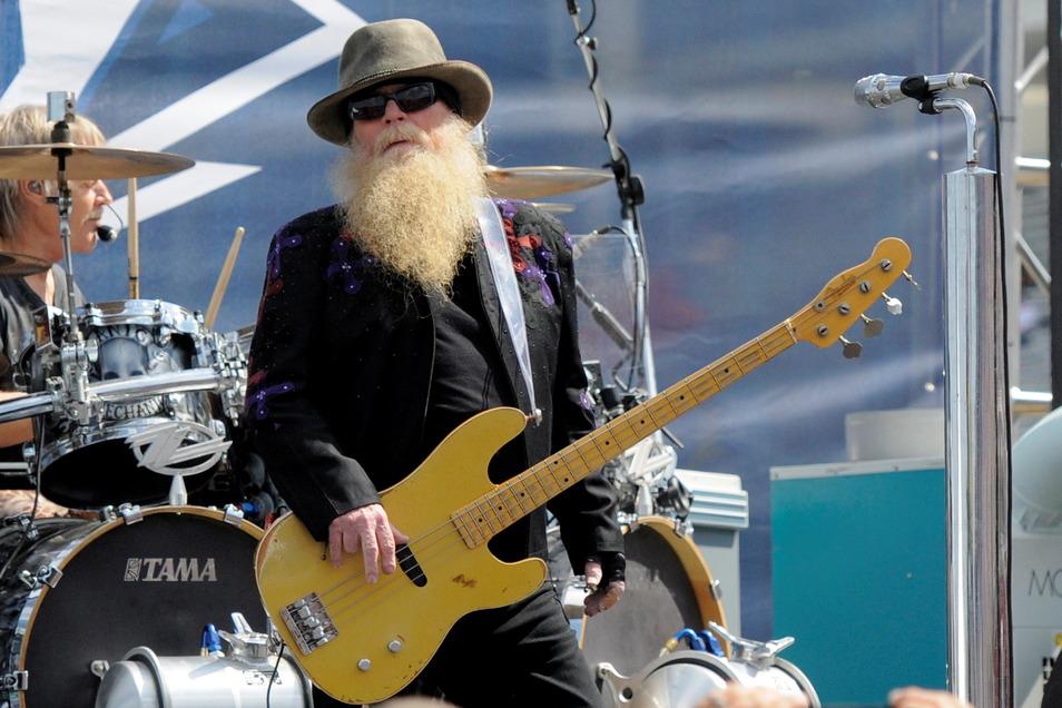Dusty Hill, Bassist von ZZ Top, ist im Alter von 72 Jahren gestorben.