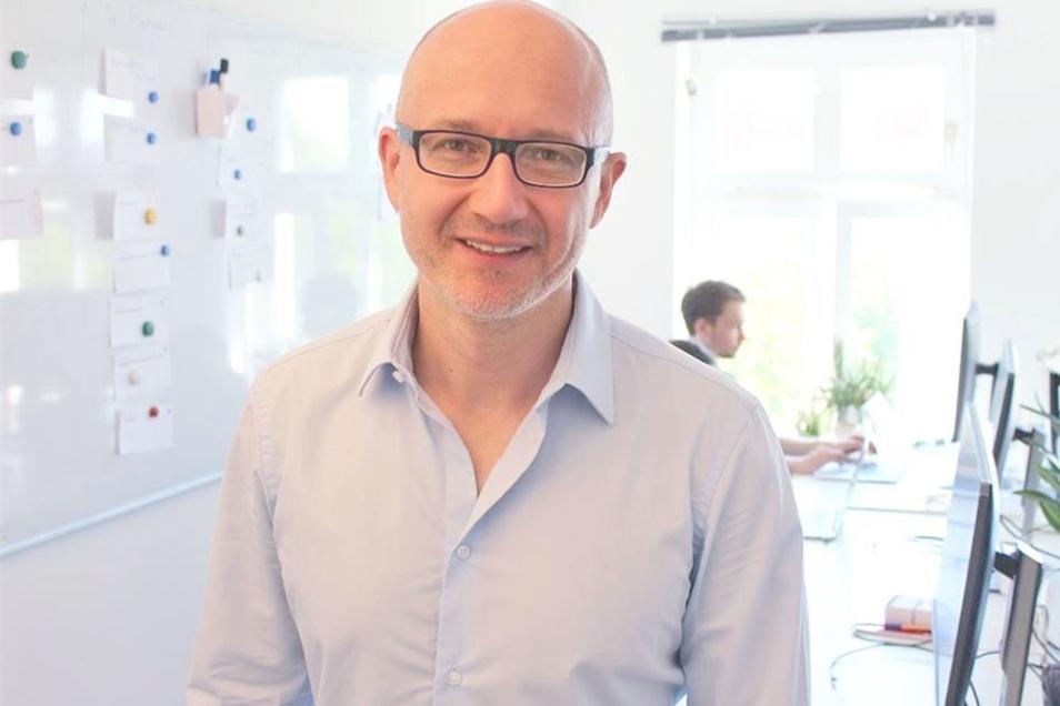 Gerrit Richter ist einer der Gründer von Civey. Das Meinungsforschungsunternehmen hat sich auf Umfragen im Internet spezialisiert.