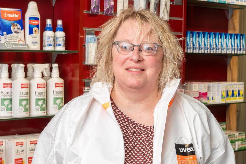 Und so sieht Apothekerin Kerstin Boragk ohne Vollschutz aus.