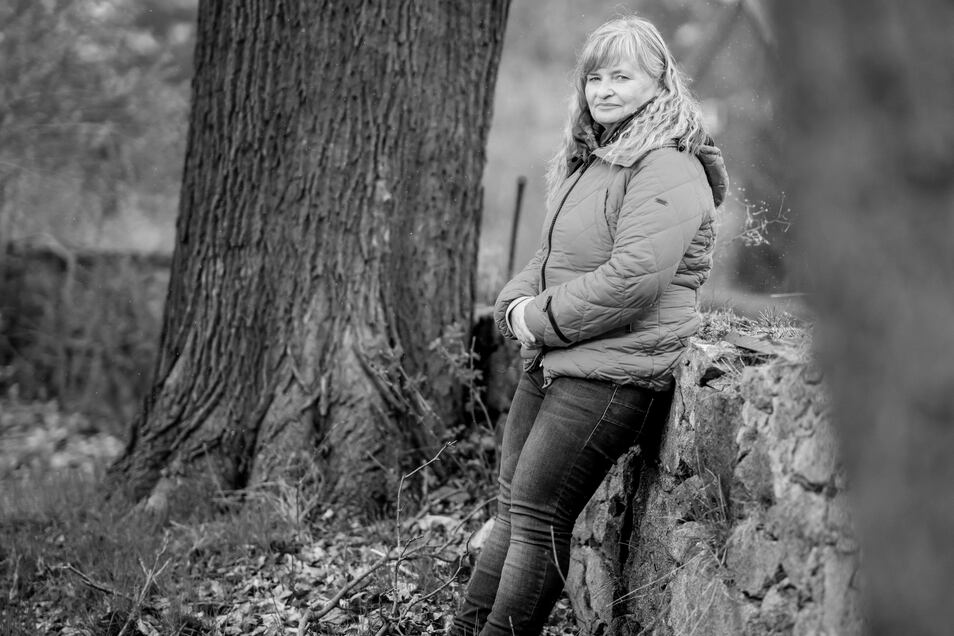 Ute Taube, 52, stammt aus der Oberlausitz, hat in Leipzig Humanmedizin studiert und in den 90er-Jahren ihre Facharztausbildung in Kliniken und Praxen im Westen Deutschlands absolviert. Ihre Praxis in Berthelsdorf übernahm sie im September 2002.