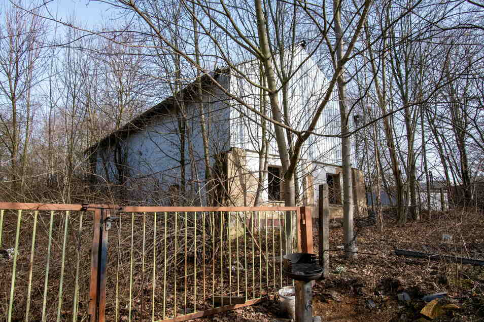 Der größte Teil der Gebäude des Bauhofs ist abgerissen worden. Zwei stehen noch.