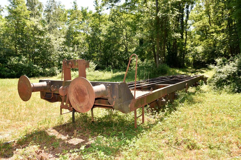 Dieser Huckepackwagen ist noch heute im Außengelände der Energiefabrik Knappenrode zu sehen. Das letzte Mal im Einsatz war er vor gut 30 Jahren.