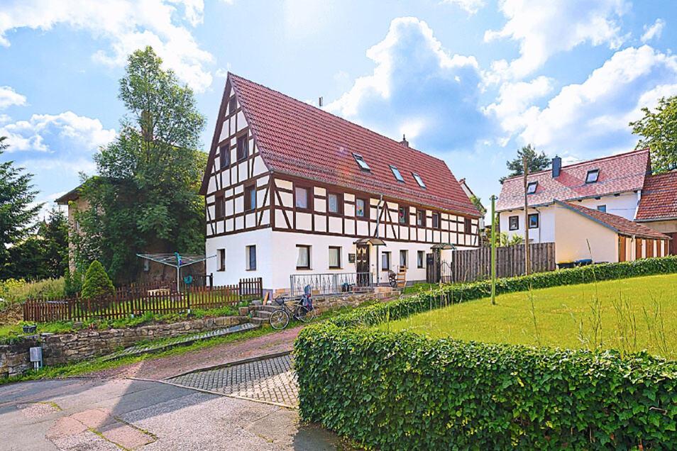 Zweifamilienhaus mit 2 separaten Eingängen in Freital / Mindestgebot 349.000 Euro