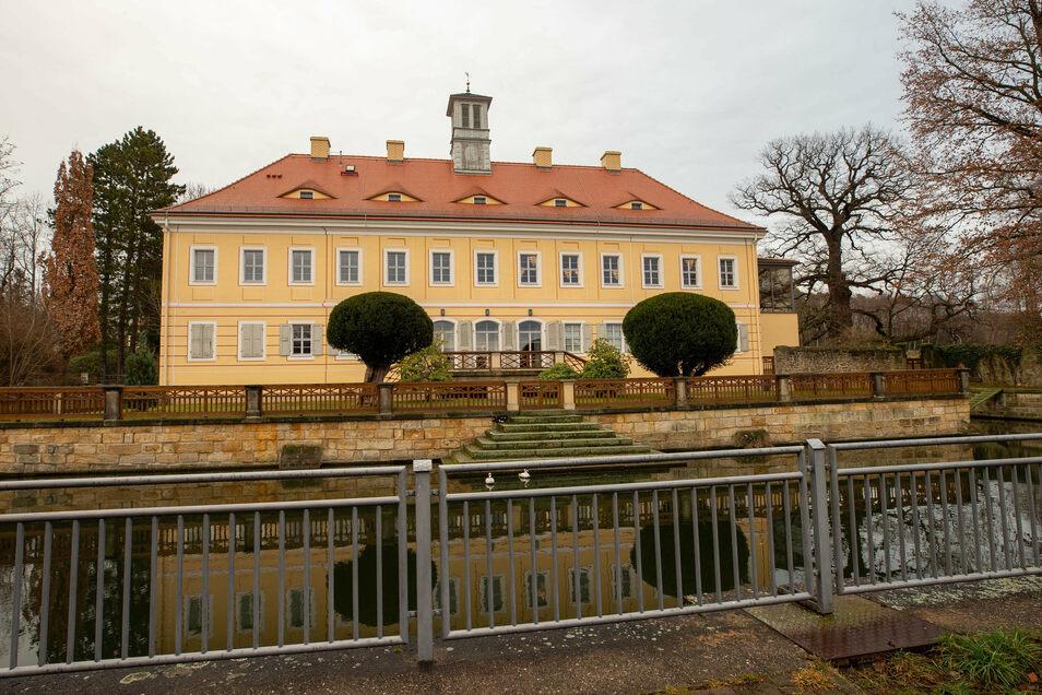 Graupa will im September ein Herbstfest feiern. Das Bild zeigt das sanierte Jagdschloss.