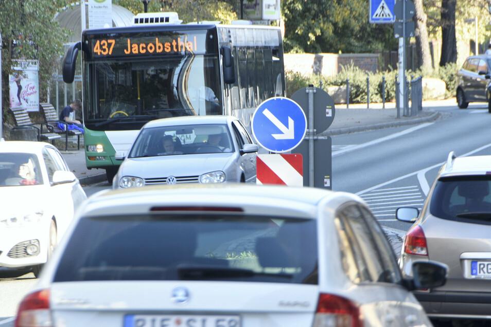 Wie gut lässt sich die Innenstadt mit verschiedenen Verkehrsmitteln erreichen? Das und mehr will Riesa jetzt per Umfrage herausfinden.