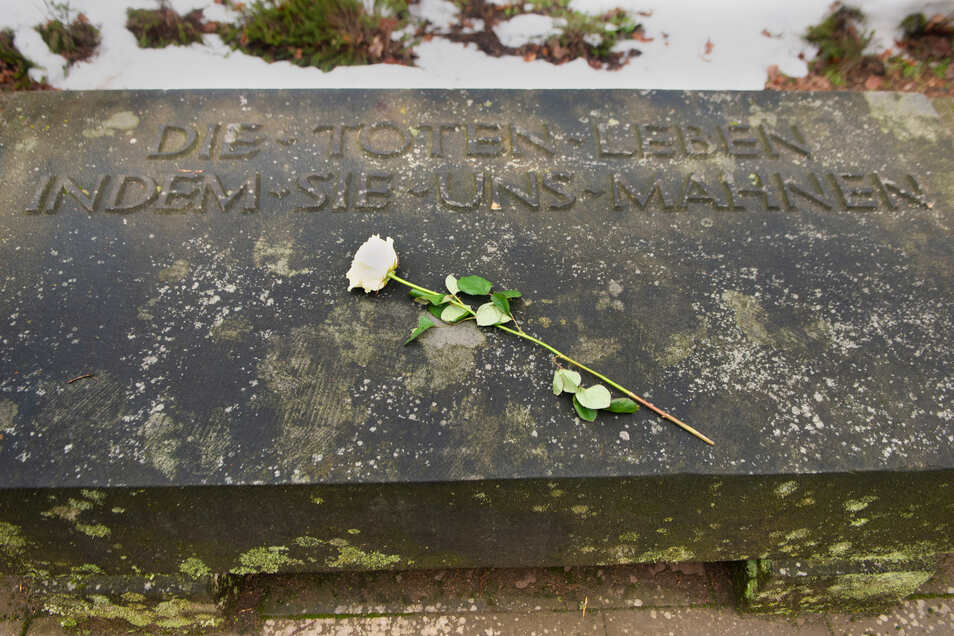 Gedenken auf dem Heidefriedhof