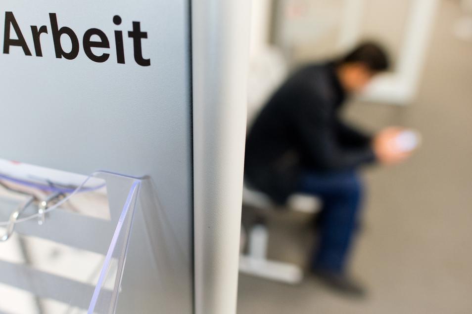 Einen gesetzlichen Mindestlohn gibt es seit 2015 in Deutschland. Zum Start lag er bei 8,50 Euro die Stunde und ist seitdem mehrfach in kleinen Schritten erhöht worden.