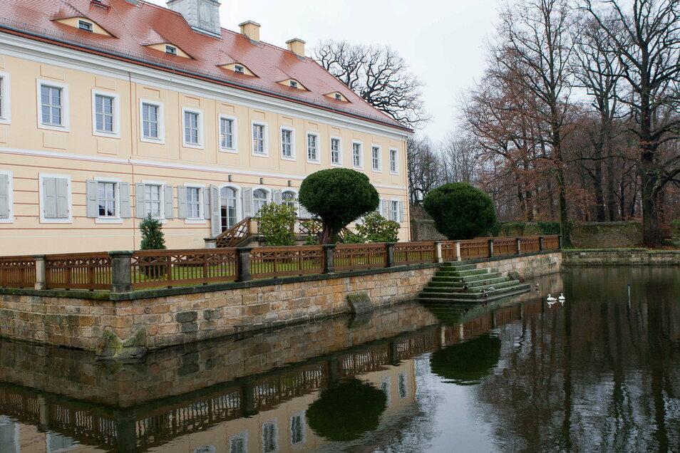 Die erste Schule am heutigen Tschaikowski-Platz in Graupa exsistiert nicht mehr. Aber der Verein Pro Graupa will das Jubiläum feiern. Das Bild zeigt das schön sanierte Jagdschloss von Graupa, eines der markanten Wahrzeichen des Dorfes.