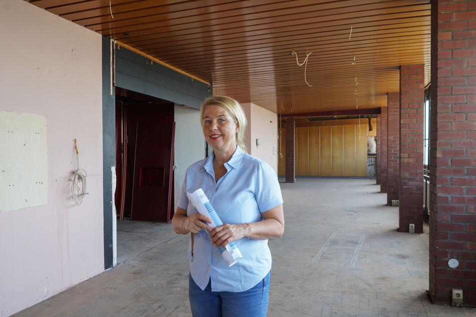 Kirsten Schönherr, Chefin der Bautzener Wohnungsbaugesellschaft, würde das Café im Hochhaus im Allendeviertel gern wiederbeleben.