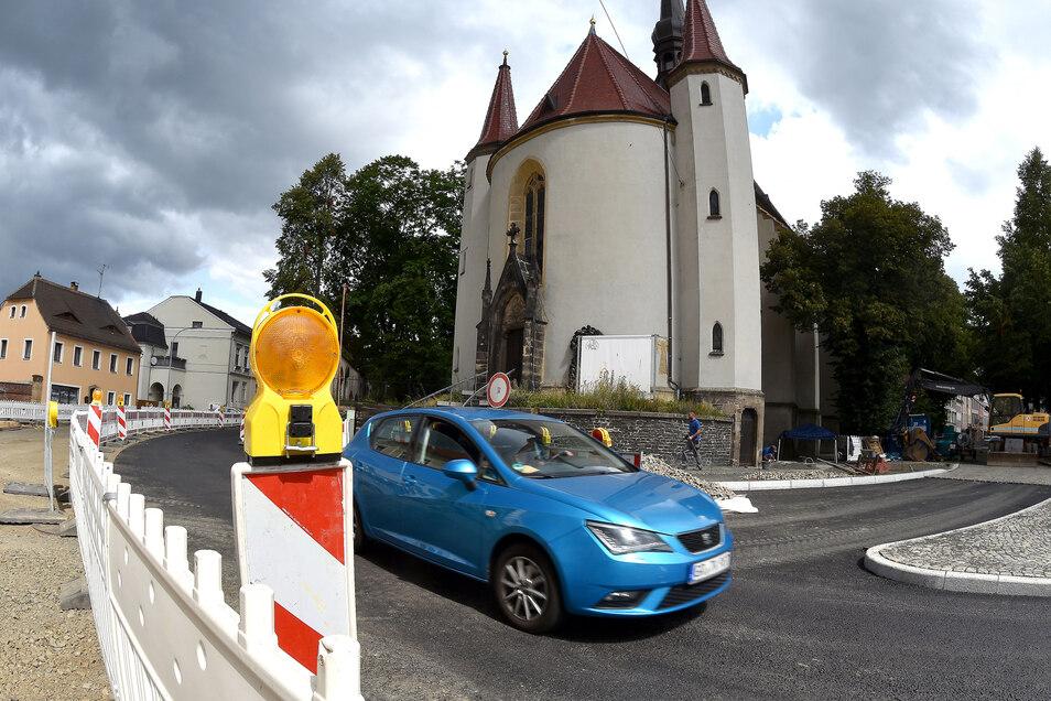 Der Bereich vor der Weberkirche ist wieder freigegeben - zumindest einspurig.