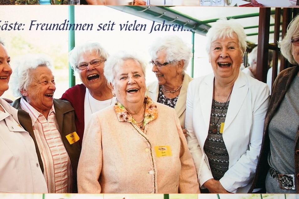 Senta Vatterodts 80. Geburtstag vor vier Jahren feierte sie nicht nur mit ihrer großen Familie - vier Kinder, vier Enkel, vier Urenkel -, sondern auch mit ihren sechs Freundinnen.