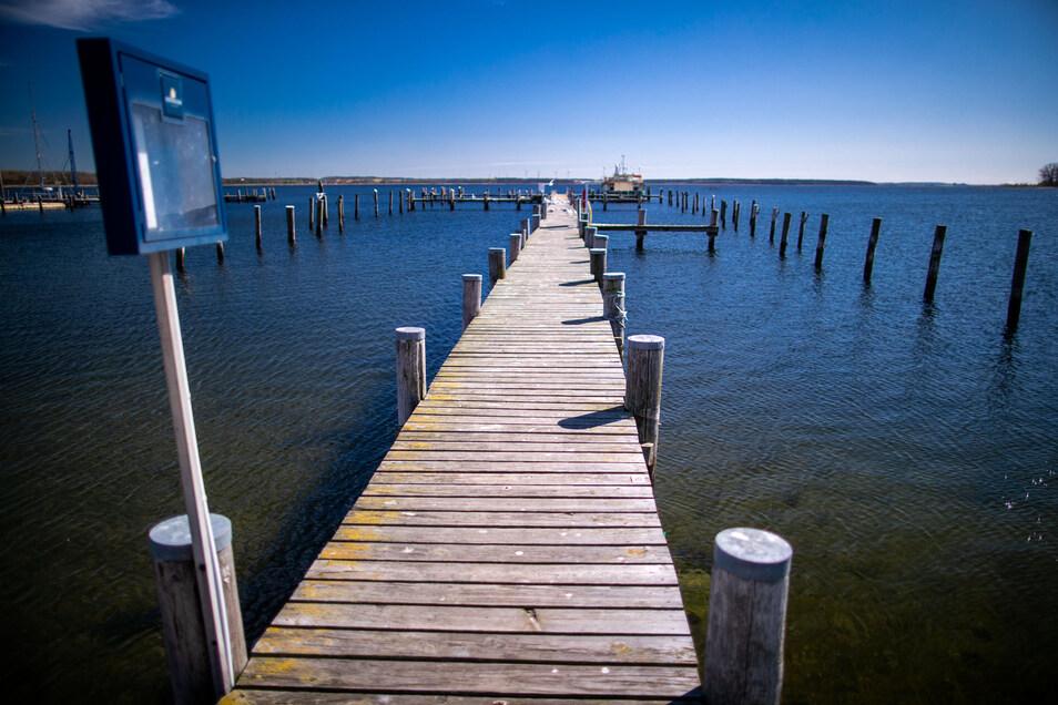 Ein 52-Jähriger ließ mit Absicht sein Boot in der Ostsee kentern und gaukelte so seinen Tod vor. Doch die Ermittler fanden schnell Ungereimtheiten.