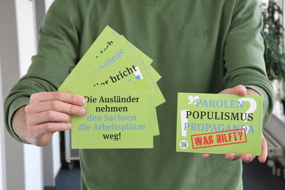 Mit einem Kartenset möchte die Ausländerbehörde sachliche Informationen verbreiten. Die AfD nutzt das zu einer Frontalattacke.