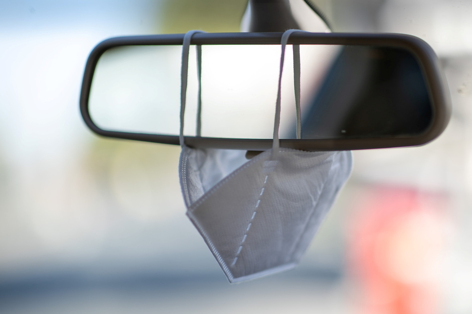 Die Mitnahme von Schutzmasken im Auto soll zur Pflicht werden.
