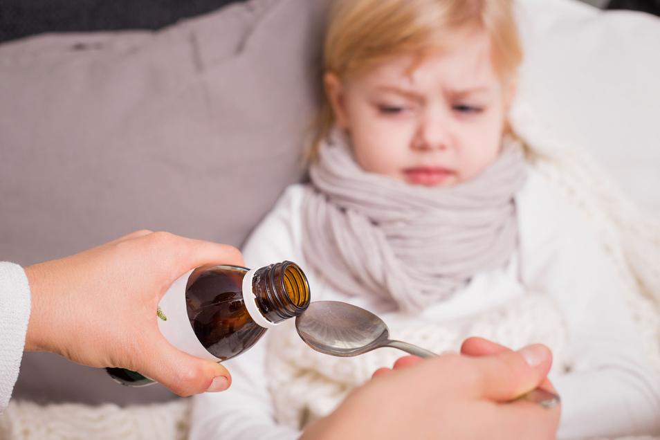 Die meisten Erkältungskrankheiten werden durch Viren ausgelöst. Dagegen sind Antibiotika wirkungslos.