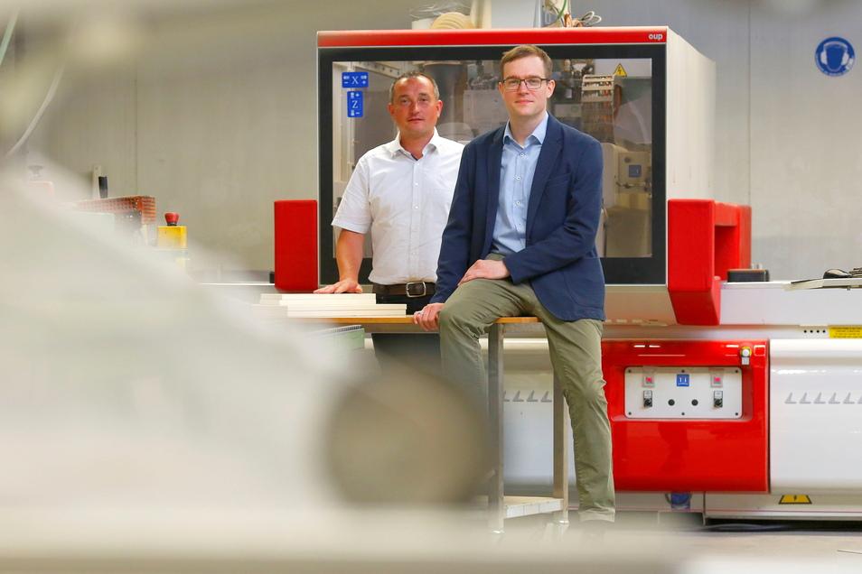 Ein eingespieltes Team: Marcel Liebke (r.) ist Geschäftsführer der Firma KEK in Laußnitz, Tom Trautmann Vertriebsmanager.