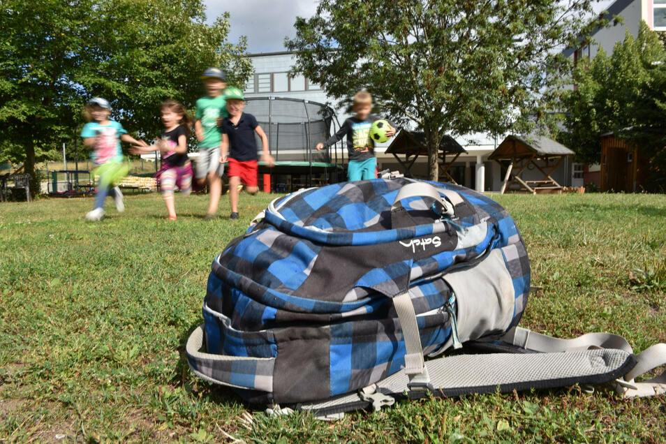 Eigentlich keine neue Erkenntnis: Als Ausgleich zum Schulalltag sollen sich Kinder viel im Freien bewegen.