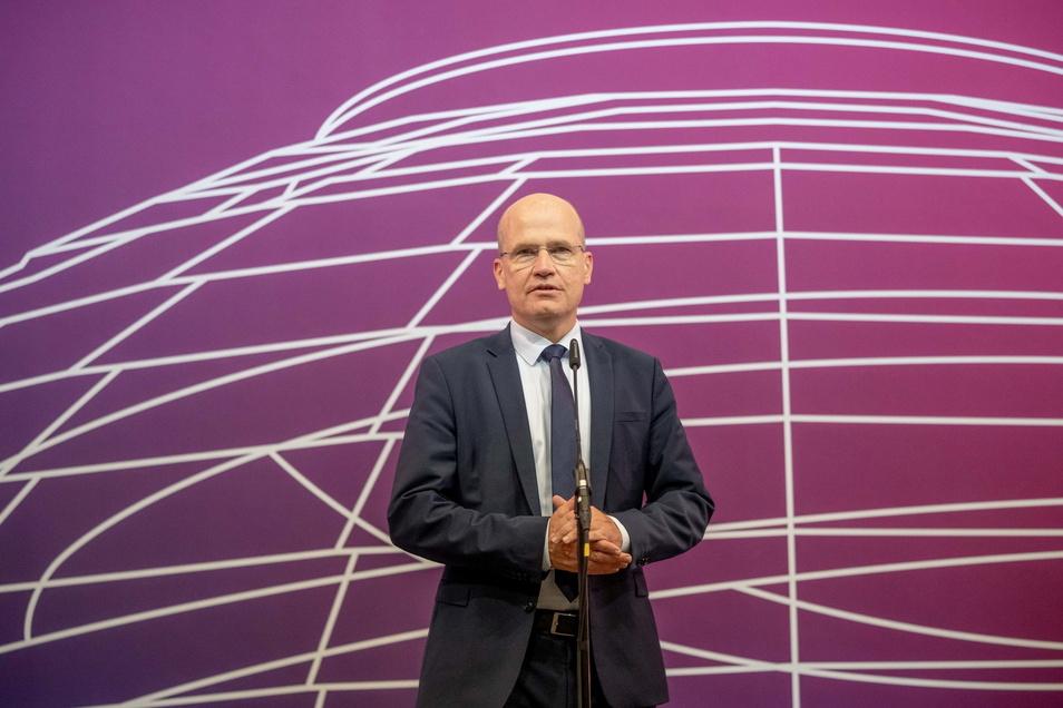 Ralph Brinkhaus (CDU), Vorsitzender der CDU/CSU-Bundestagsfraktion: Am Abend wurde er als Fraktionsvorsitzender gewählt, wenn auch nicht für ein Jahr.