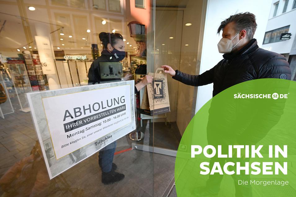 Bestellte Waren im Laden abholen - so wie hier in Baden-Württemberg könnte es bald auch in Sachsen laufen.
