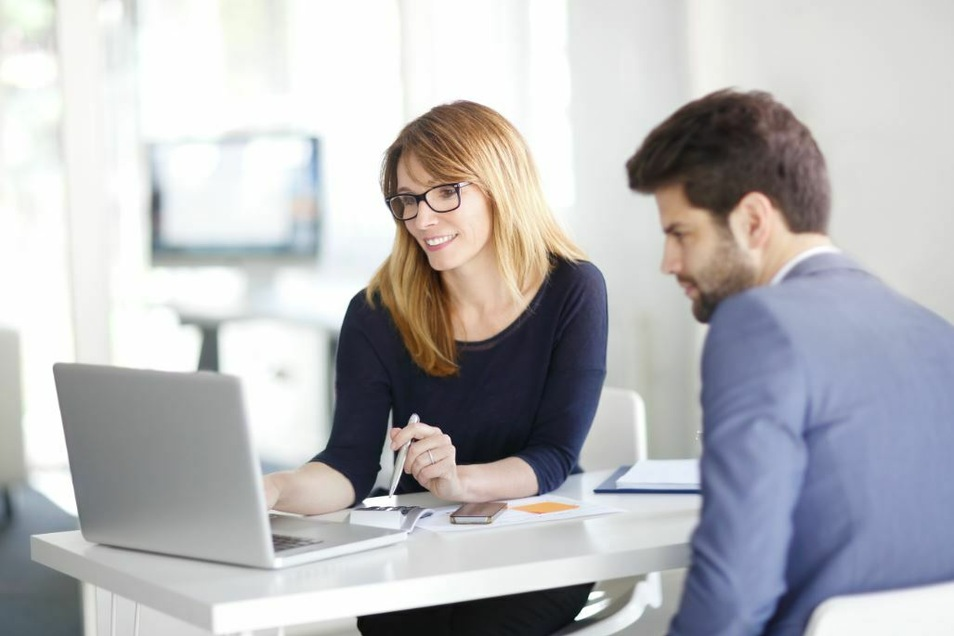 Sorgfältig, kommunikativ und immer auf dem neuesten Stand - Steuerfachangestellte beraten Firmen und Privatpersonen bei allen Fragen rund um die Steuern.