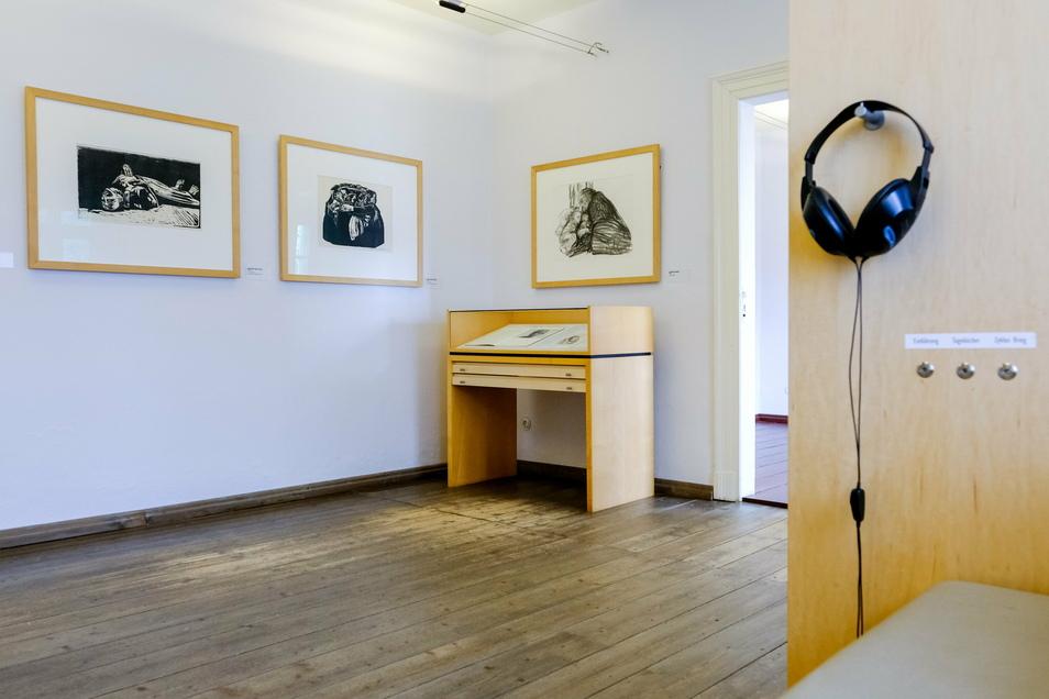 Blick in die Dauerausstellung im Sterbehaus von Käthe Kollwitz in Moritzburg.