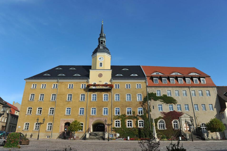 Die Stadtverwaltung Roßwein hat bis auf Weiteres nicht mehr für den Besucherverkehr geöffnet. Grund dafür sind neue Corona-Regeln.