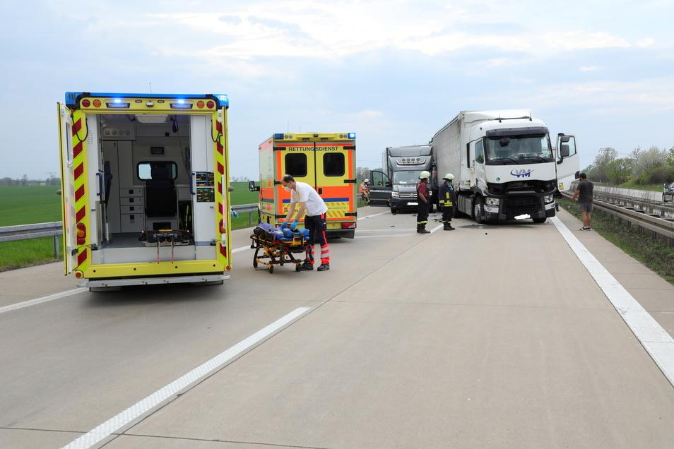 Zwei Schwerverletzte wurden in ein Krankenhaus gebracht.