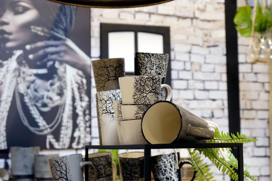 Ab 12. September sind Ausstellungsstücke bis zu 50% Reduziert. Auf Dekorationsartikel und Wohnaccessoires gibt es 10%