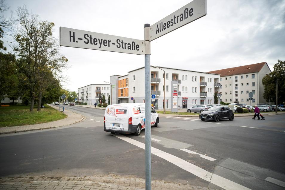 An dieser Stelle in Gröba kreuzen sich die Alleestraße, die Steyerstraße und die Schlosserstraße. Riesas Stadtverwaltung kann sich hier einen Kreisverkehr vorstellen.