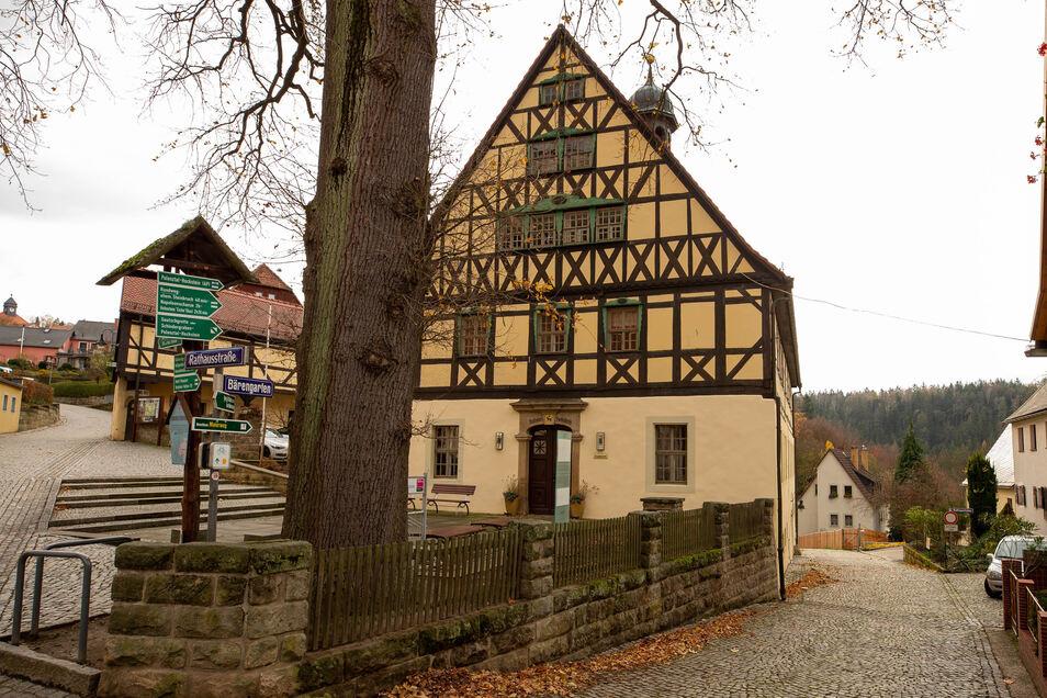Das Rathaus in Hohnstein ist ab sofort geschlossen.
